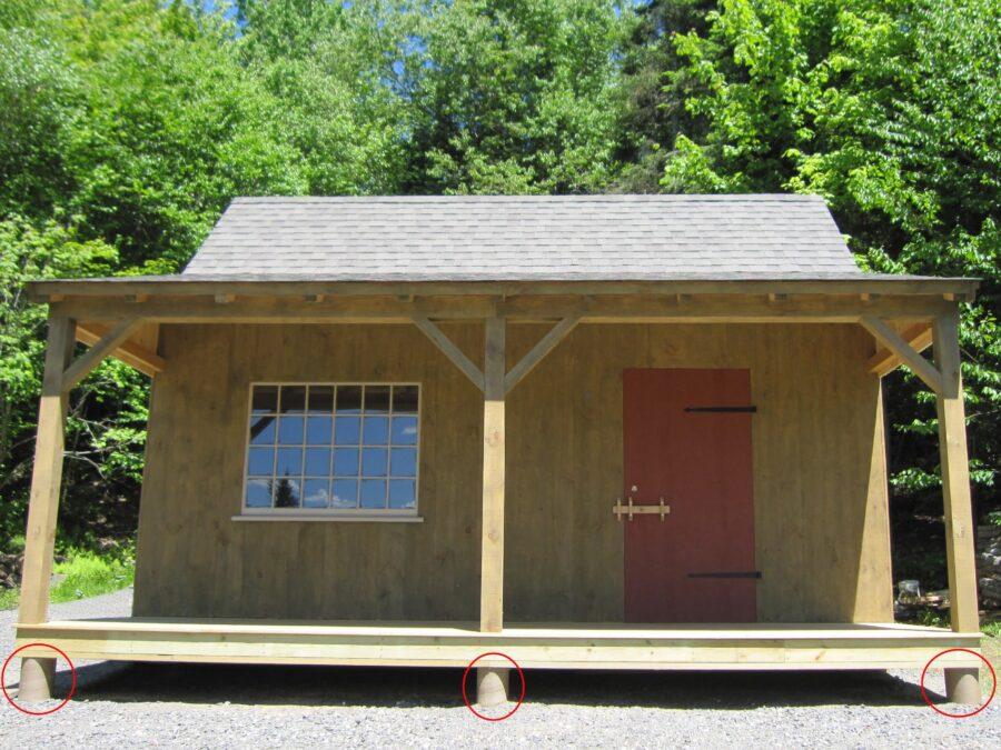 Cabin on piers